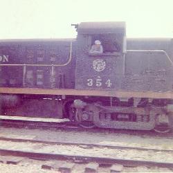 SSW354-HarleyDavis-BigSandyTX-1960-02-s.jpg (11293 bytes)